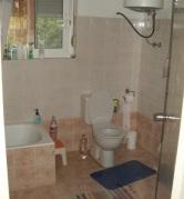 Γκαρσονιέρα στην Ιαλυσό - μπάνιο
